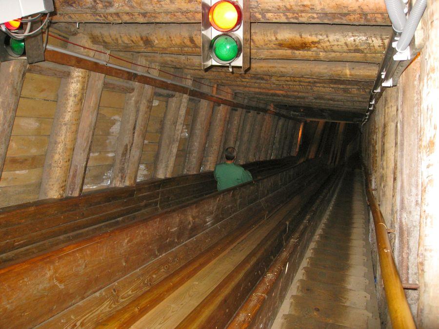 Glijbanen in de Salzwelt (langste 65m)