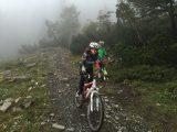 Christel lekker aan het trailrijden