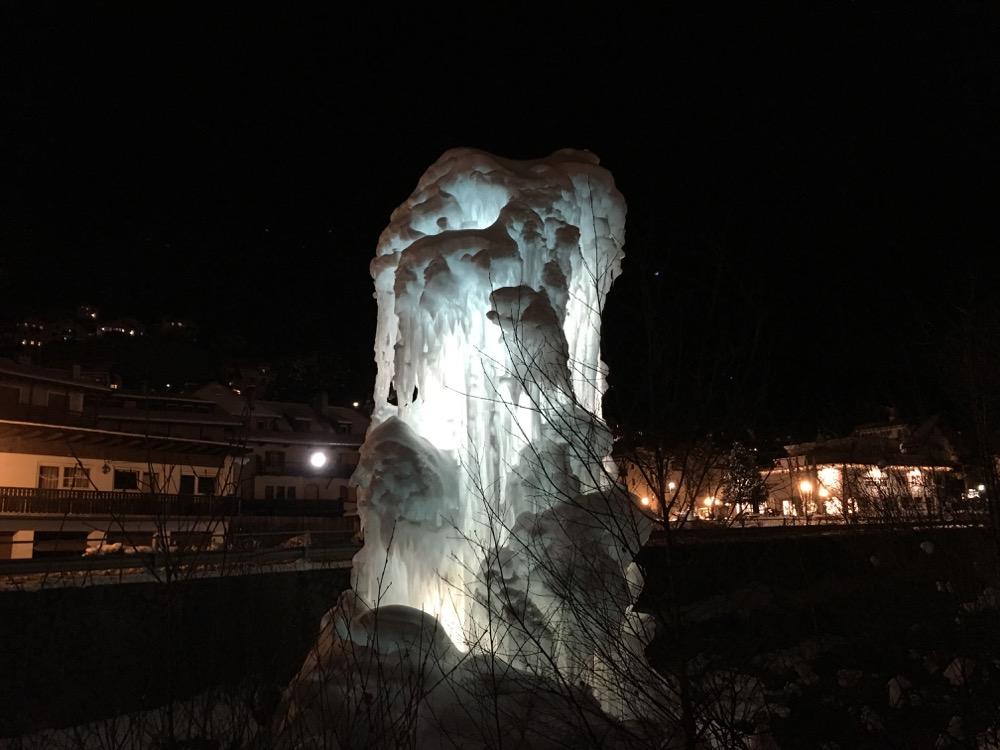 Ijssculptuur in Ortisei
